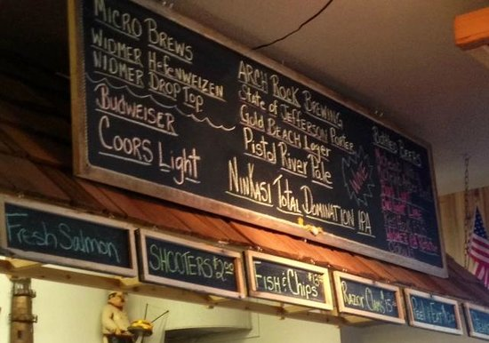 Port Hole Cafe: Good local beer selection