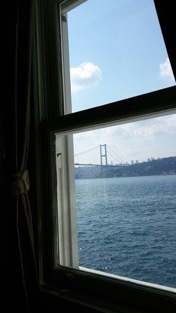 Bosphorus Palace Hotel: Yataktan görünen manzara!
