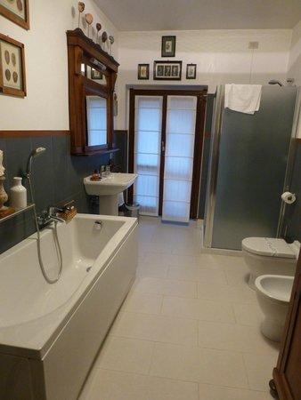 B&B Monteverdi: Bathroom