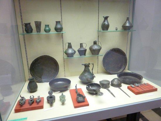 Museo Arqueológico de Sevilla: Vitrine bronzes époque romaine