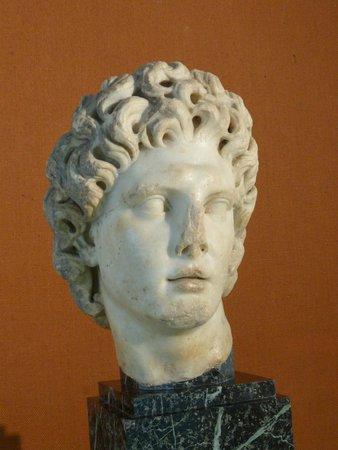 Museo Arqueológico de Sevilla: Alexandre le Grand, marbre de Paros, Italica