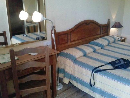 Hotel San Fermin: Habitación