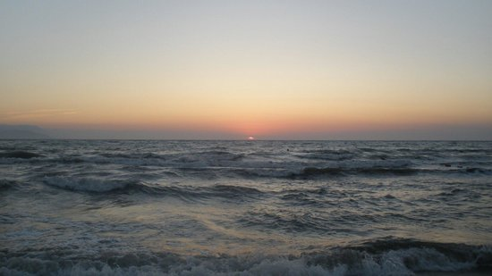 Palm Wings Beach Resort: Beautiful sunset