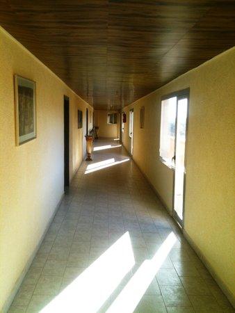 Hotel New-Beach : le couloir superieur
