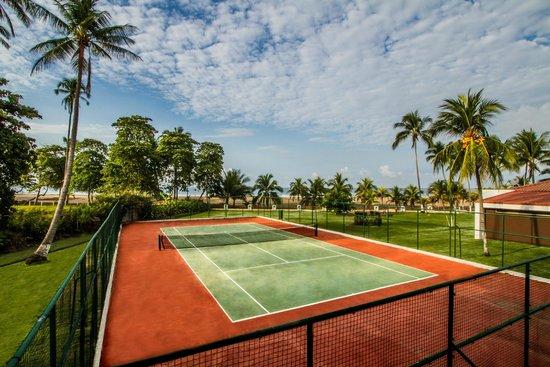 BEST WESTERN Jaco Beach All Inclusive Resort: Tennis Court
