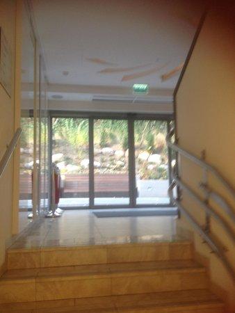 Hotel Rozany Gaj: Exit door