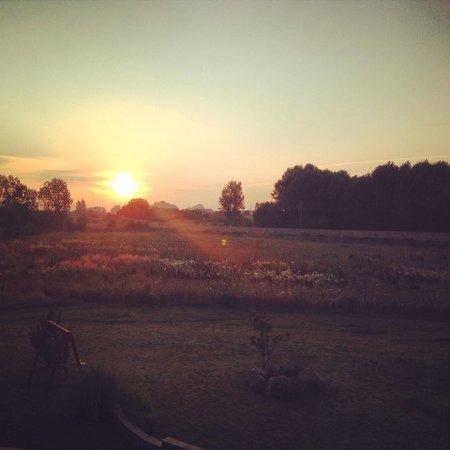 Molino Galochas: Salida del sol desde nuestra habitación