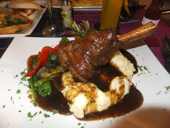 Relish Restaurant: Lamb shank with creamy mash potato - wonderful
