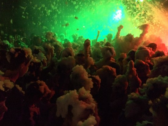 Orbetello Camping Village: Foamparty for the kids