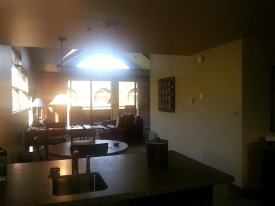 Lodge at Ventana Canyon: As you enter .....
