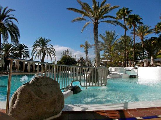 IFA Beach Hotel : Upper Pool