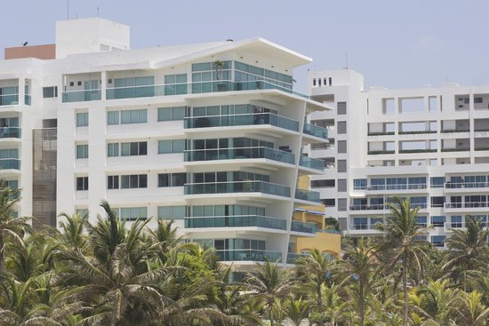 Radisson Cartagena Ocean Pavillion Hotel : Walking hotel grounds