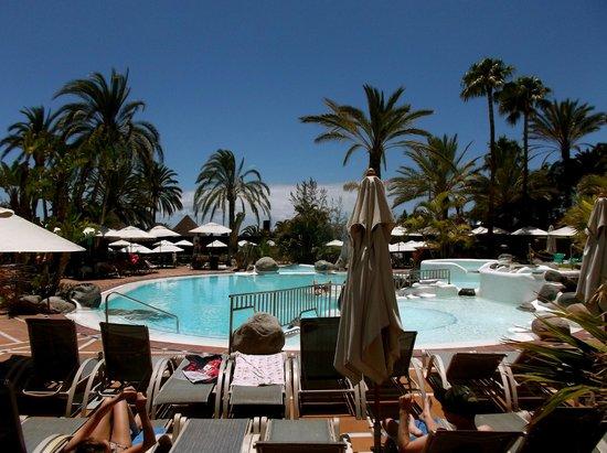 IFA Beach Hotel: Upper Pool