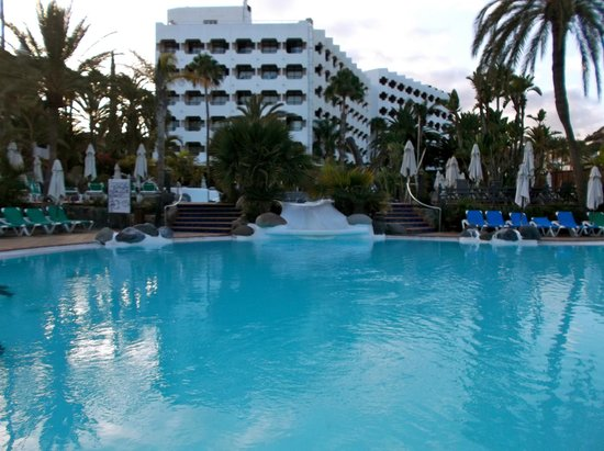 IFA Beach Hotel: Lower pool