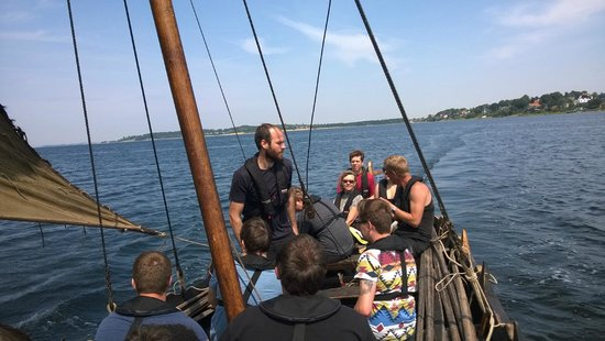 Museo de Barcos Vikingos: Visitors row and sail - staff only advises