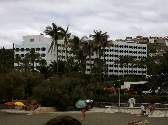 IFA Beach Hotel : View of hotel from the beach
