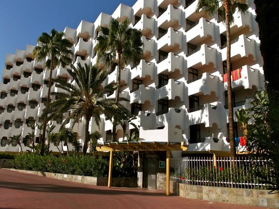 IFA Beach Hotel : Front of the hotel