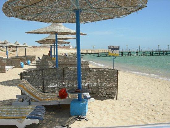 Fantazia Resort: spiaggia e pontile