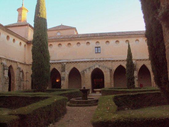 Monasterio de Piedra: Claustro del monasterio.