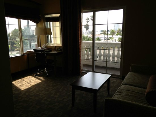 Comfort Suites Oceanside Marina: Room 326, office with balcony & sofa sleeper