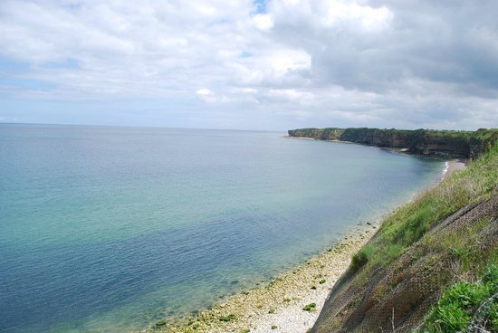 Pointe du Hoc : Looking east.