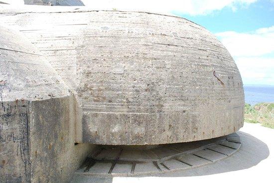 Pointe du Hoc : Intact bunker.
