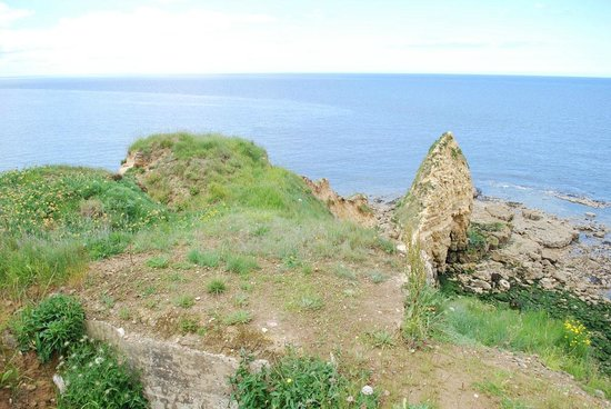 Pointe du Hoc : Looking over the Hoc