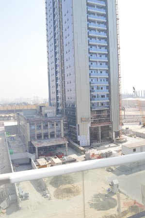 Pearl Marina Hotel Apartments : View from room at the front of Hotel