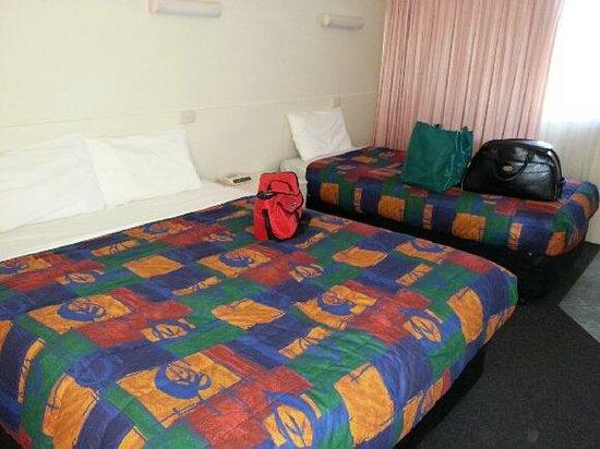 Acacia Motel: Beds
