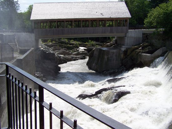 Simon Pearce Mill: The falls and the bridge from the deck