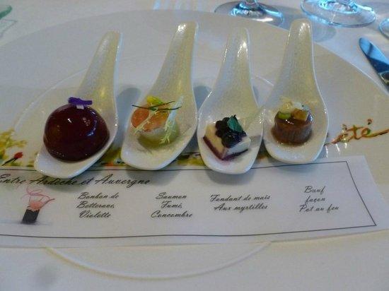 Restaurant Regis & Jacques Marcon : traditionnels amuse bouche