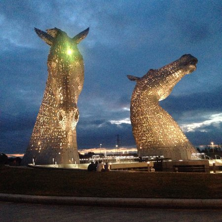 Falkirk, UK: The Kelpies at night