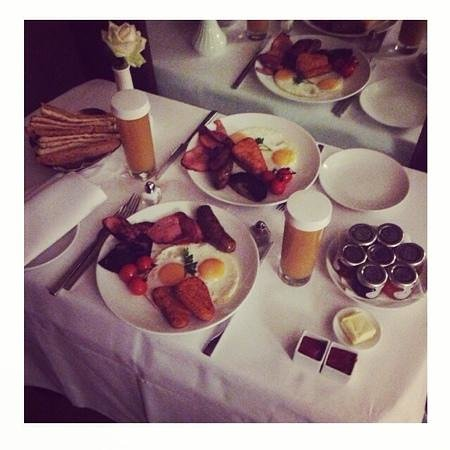 The May Fair Hotel: room service breakfast