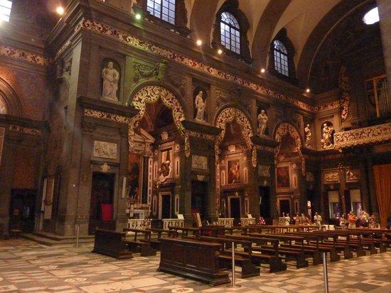 Via de' Tornabuoni: Eglise San Gaetano - autre vue