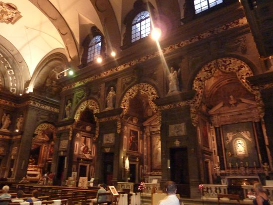 Via de' Tornabuoni: Eglise San Gaetano - encore une vue