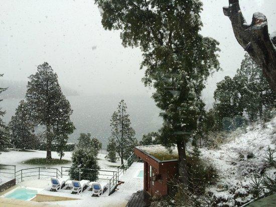Charming Luxury Lodge & Private Spa: Dia de neve
