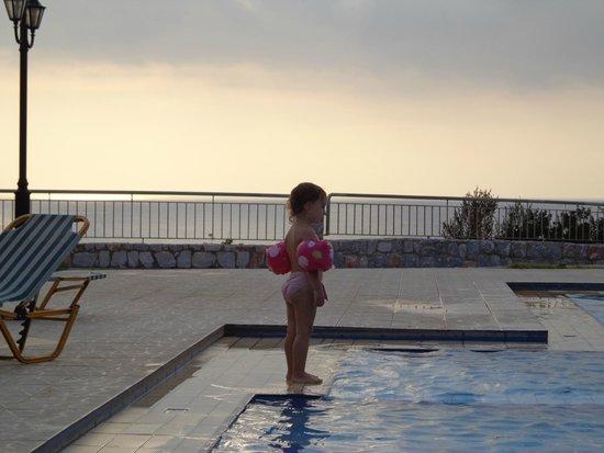 Panorama Hotel : Piscina