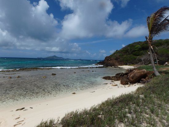 Palm Island Resort & Spa: Secluded beach