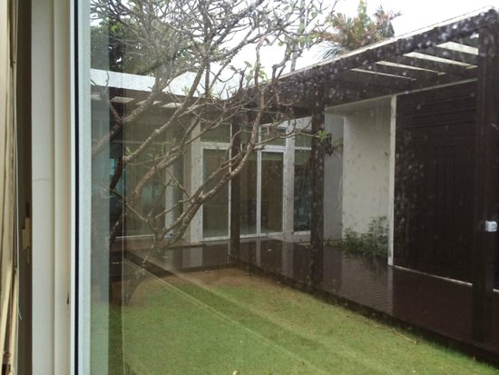 Aleenta Phuket Resort & Spa: Wet wet wet