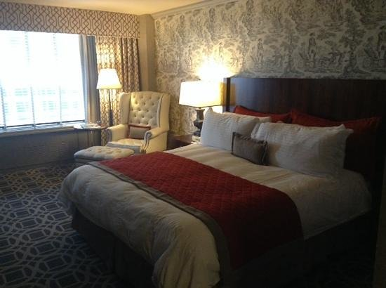 The Madison Washington DC, A Hilton Hotel: room 727 (loud in the morning)