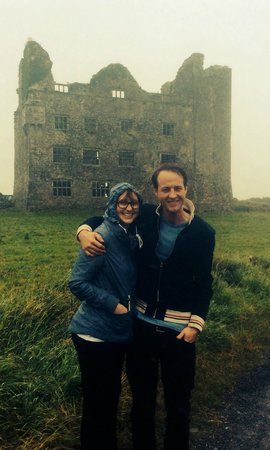 Barratt Tours : Quick stop in front of a castle- Frank took the pic for us!