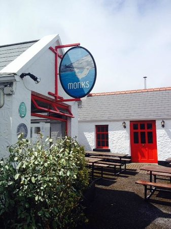 Barratt Tours : Monks- where we stopped to eat. Along the sea. Wonderful food!