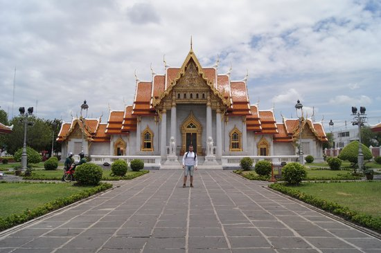Wat Benchamabophit (The Marble Temple): The Marble Temple