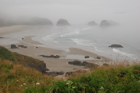 Ecola State Park: Cloudy day at Crescent Beach