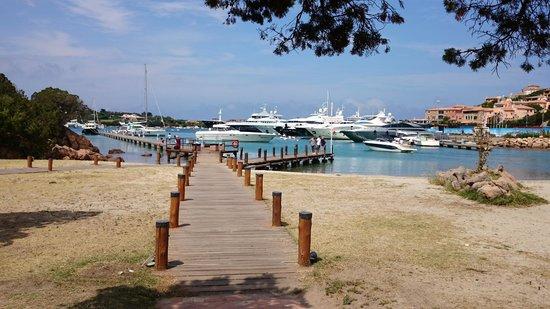 Hotel Fenicottero Rosa : Le très beau Porto Rotondo en Sardaigne