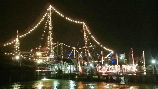 Captain Hook Barco Pirata Pirate Ship: Desembarcando & diciendo hasta pronto capitan hook!