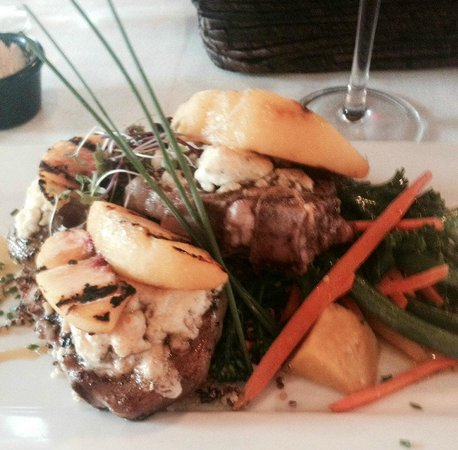 Martyrs Steakhouse: Lamb chops - pretty but not that good