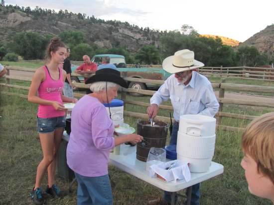 Sylvan Dale Guest Ranch: Homemade Ice cream after the ball game
