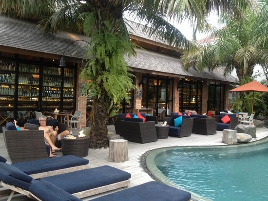 Maca Villas & Spa: main pool side