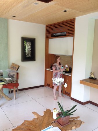 Maca Villas & Spa : bar kitchen area